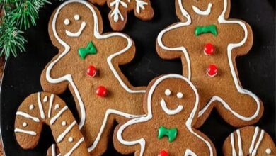 Can Dogs Eat Gingerbread? Is Gingerbread Safe For Dogs?