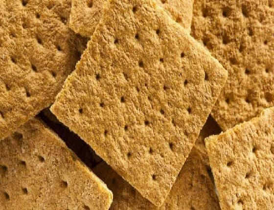 Can Dogs Eat Graham Crackers? Can Graham Crackers Kill Dogs?